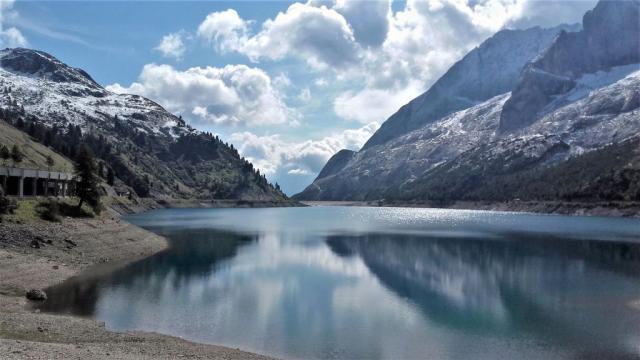 002 Vue du lac artificiel de Fedaia